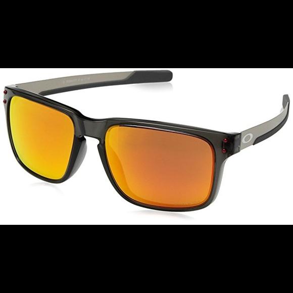 25b7cbfe63f Oakley Holbrook Polarized Sunglasses. M 5b819f811b16db1cc1b10f46